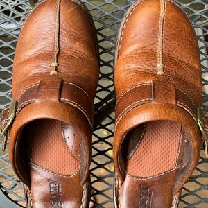 Born brown leather mules size 6